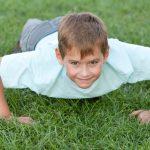 boy-doing-push-ups_prut6s